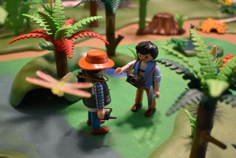 Playmobil-Figuren auf Expedition